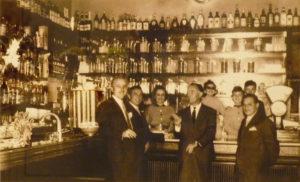 L'interno della caffetteria, in una foto degli anni '50.