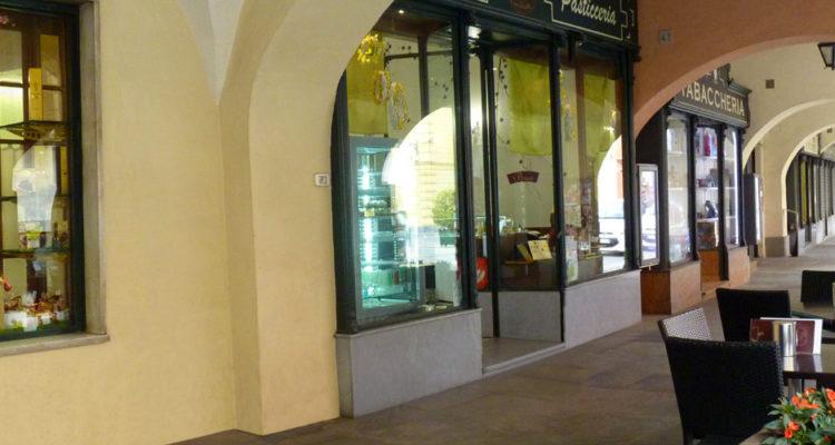 Pasticceria Caffeteria Cucchietti, Dronero - Il dehors